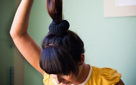 Как можно сделать бублик для волос в домашних условиях