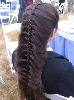 прическа на новый год 2012 плетение косы.